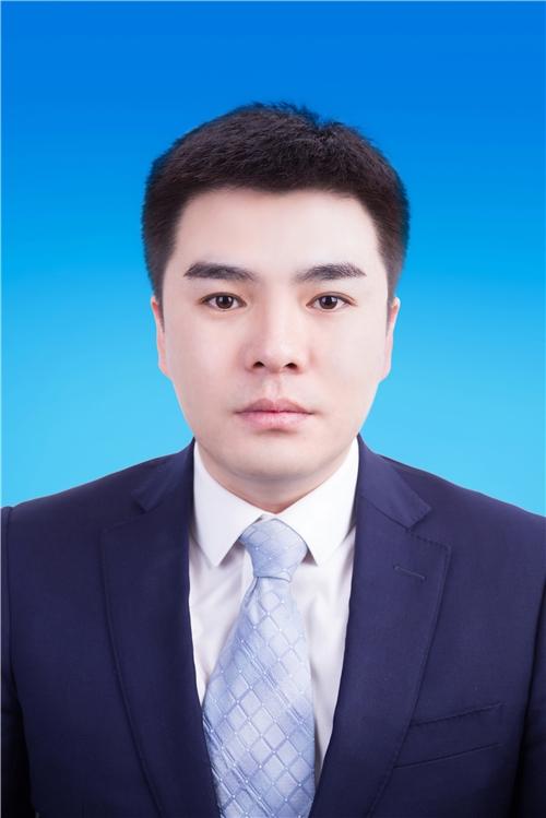 赵立岩律师